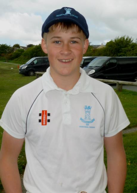 Loui Davies - 4 for 17 in another Narberth win