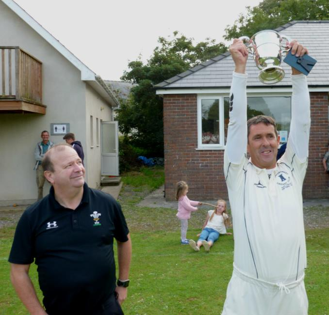 Nigel Morgan lifts Alec Colley Cup aloft