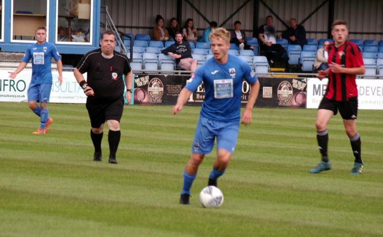 Tom Dyson worked hard in midfield for The Bluebirds