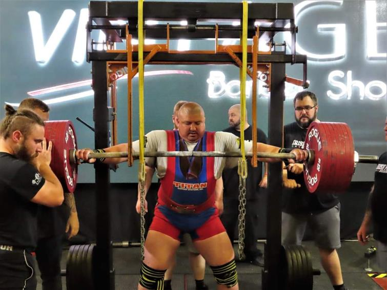 Aaron Hoskings prepares to lift at Irish Pro Lifters competition