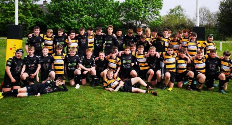 Neyland and Cashel junior players pose together