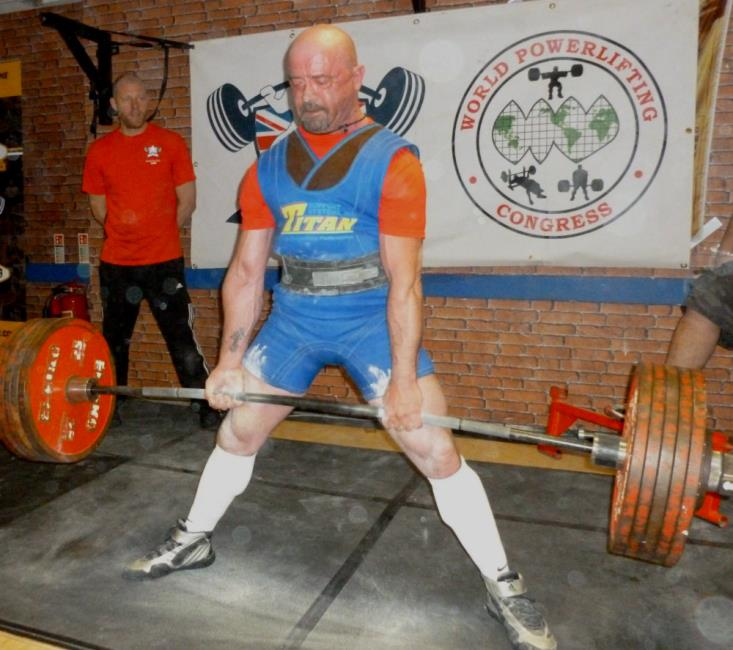 Paul Murphy en route to another British record with a 322kgs lift in the dead lift
